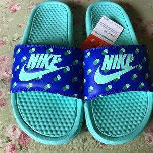 New Nike Slides 💙💙